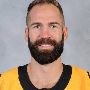 Daniel Winnik Headshot