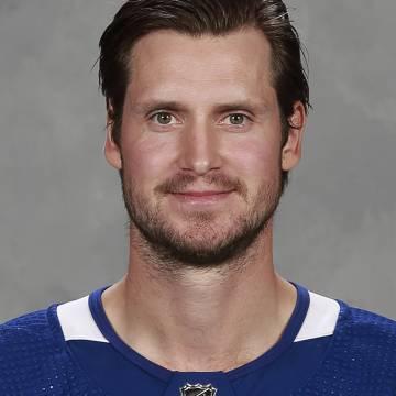 Oliver Ekman-Larsson Headshot